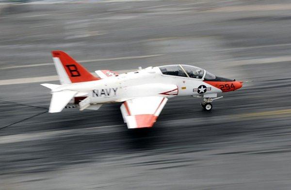 В США во время тренировочного полета крушение потерпел военный самолет