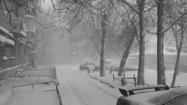 Ряд ДТП зафиксировали в Челябинске из-за сильного снегопада