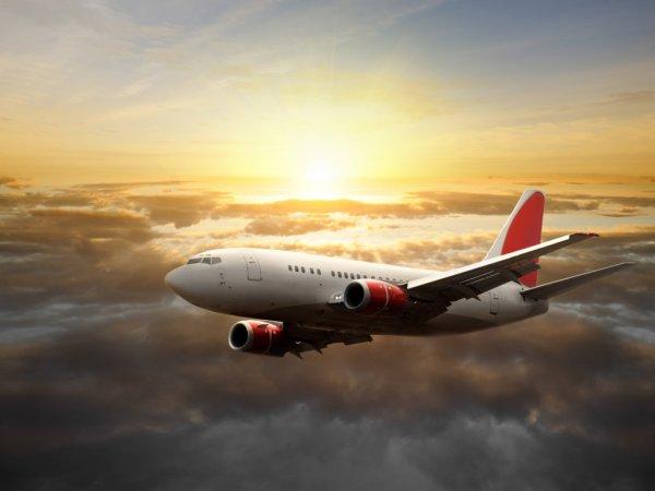 Самолет с вышедшим из строя шасси срочно вернулся в Шереметьево