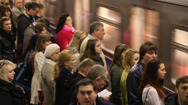 На красной ветке московского метро произошел сбой в связи с инцидентом с пассажиром