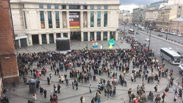 «Заложенные бомбы» в Петербурге стали причиной эвакуации 30 тысяч человек