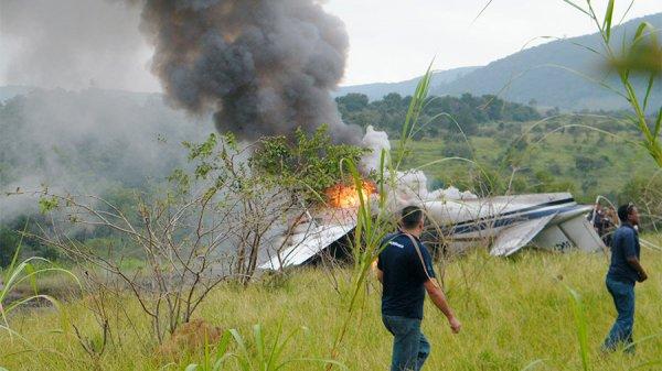 В Боливии рухнул самолет, выживших нет