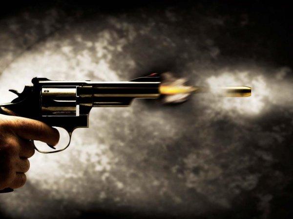 Возле клуба в Санкт-Петербурге подстрелили мужчину