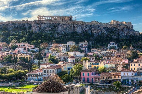 Анархисты ворвались в посольство Испании в Афинах