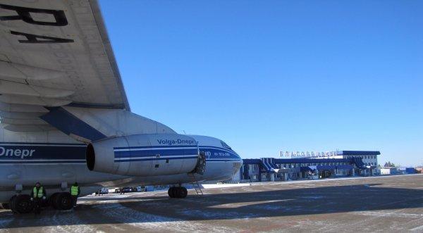 В Благовещенске экстренно сел самолет из-за поломки кондиционера