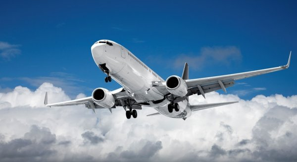 Авиалайнер, летевший из Абу-Даби, совершил экстренную посадку в Австралии