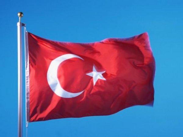 СМИ: В Турции в Мерсине прогремел взрыв