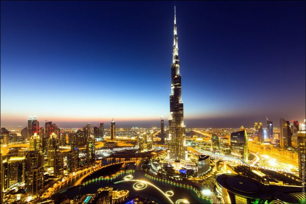 НЛО над Дубаем оказалось падающей ракетой-носителем