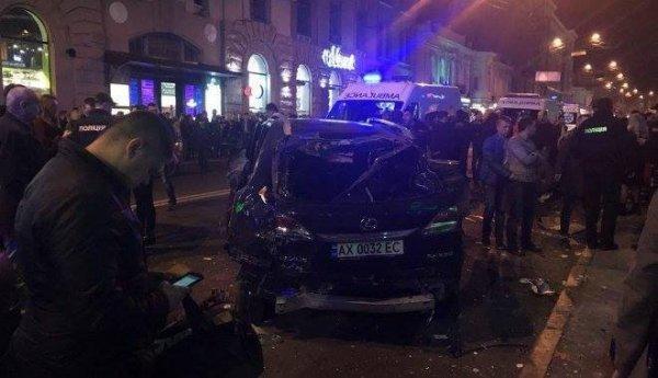 Наехавший на пешеходов в Харькове Lexus ранее нарушал ПДД
