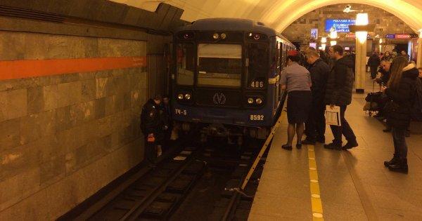 В Москве на станции метро «Выхино» пассажир упал на рельсы