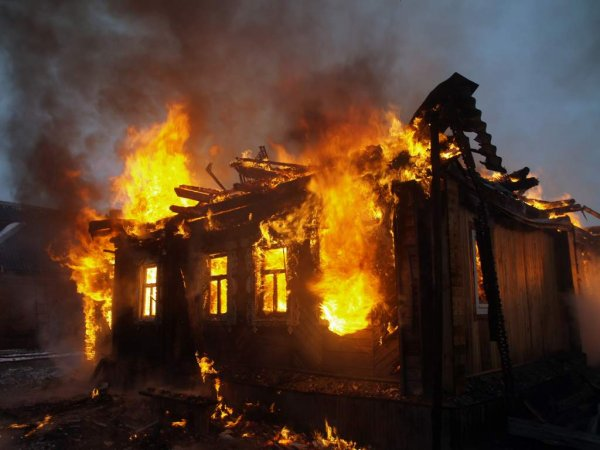 В Татарстане жертвами пожара в частном доме стали два человека