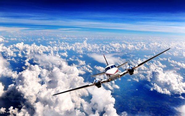 Самолет из Сургута экстренно сел в Екатеринбурге