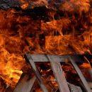 В Свердловской области полицейский спас многодетную семью из пожара