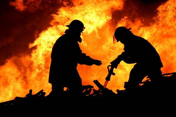 Рынок загорелся под Ростовом-на-Дону