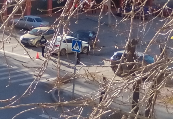 В Тюмени школьник угнал у родителей авто и попал в ДТП