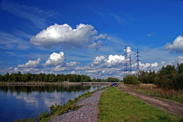 Пограничники из Петербурга спасли рыбаков в 500 м от границы с Эстонией
