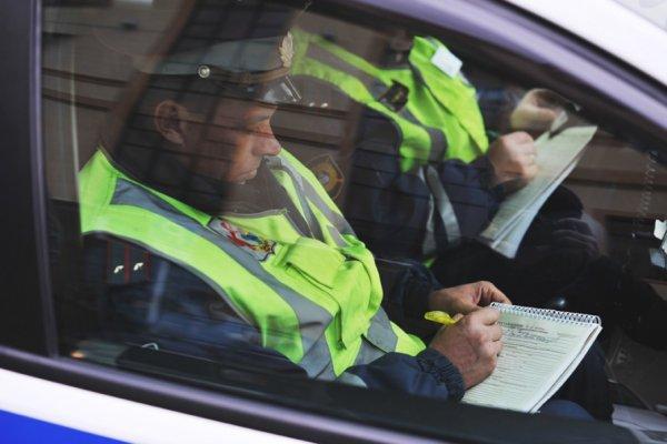 В ХМАО водитель сбил женщин с детьми на пешеходном переходе и скрылся