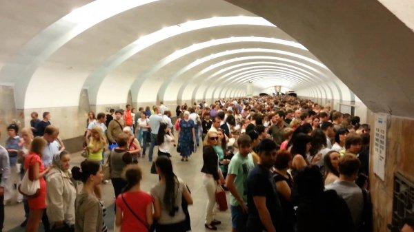 На фиолетовой ветке столичного метро произошёл сбой