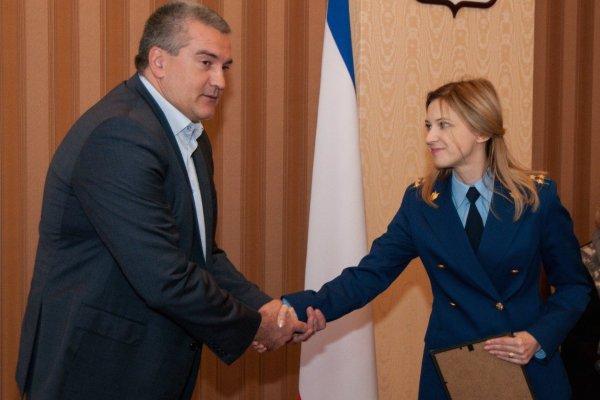 Адвокат рассказал о заведении на Украине «дел-клонов» против Поклонской и Аксенова