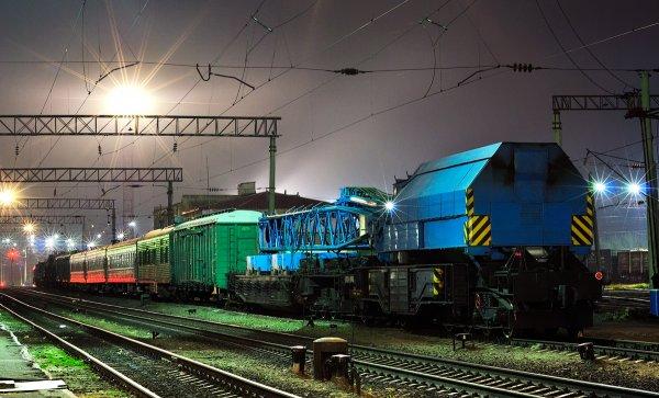 Ремонтный поезд со станции Дно сошел с рельсов в Новгородской области