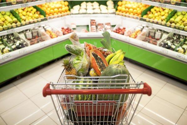 В Благовещенске обнаженный парень отправился за покупками в супемаркет