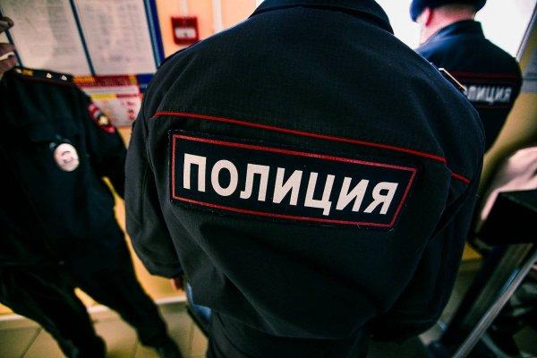 Мужчина на Урале после кражи пива стал биться головой о стол в отделении полиции