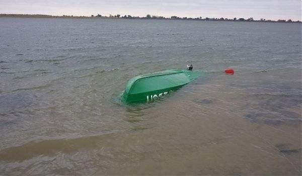 Двое полицейских погибли, спасая тонущих пассажиров лодки в Челябинской области