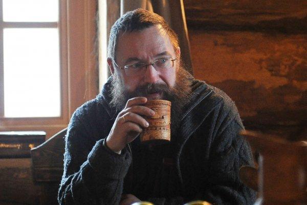Стерлигов из-за гомофобии продает бизнес в Москве