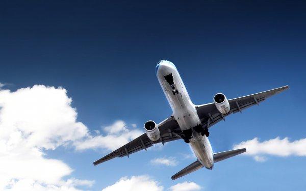 Жителей Ростова привел в настоящий испуг самолет, кружащийся над городом