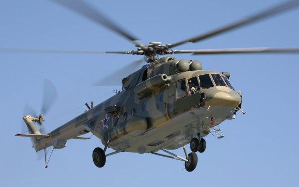 Рухнувший в море российский вертолет Ми-8 подняли на поверхность