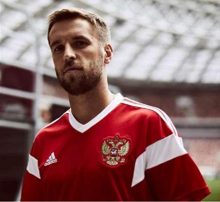 Сборная России по футболу показала новую форму команды на ЧМ-2018
