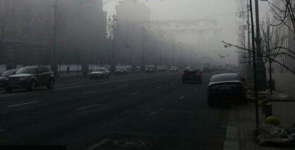 Густой туман вынудил властей ограничить движение на трех трассах в Ростовской области