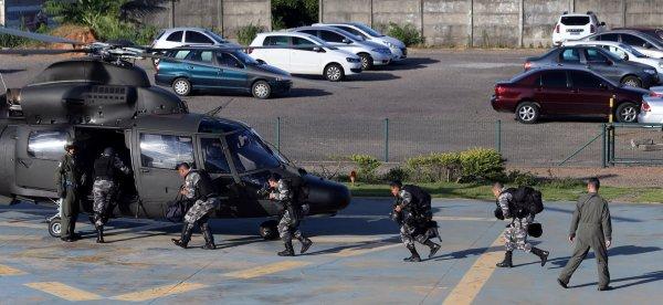 Бразильские наркоторговцы вели онлайн-трансляцию, пока их расстреливали