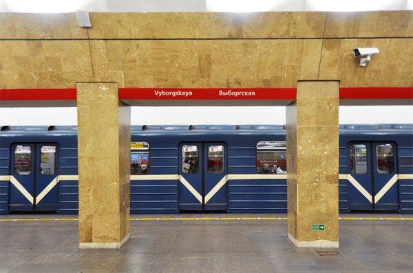 В Петербурге закрыли станцию метро «Выборгская» из-за угрозы взрыва