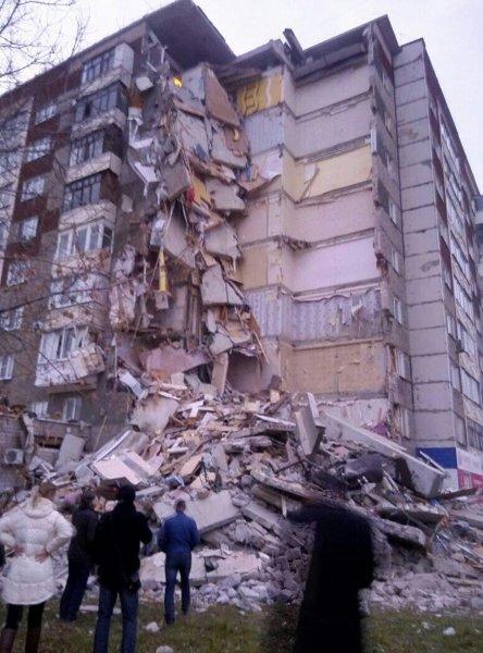 МЧС подтвердило гибель двух человек при обрушении дома в Ижевске