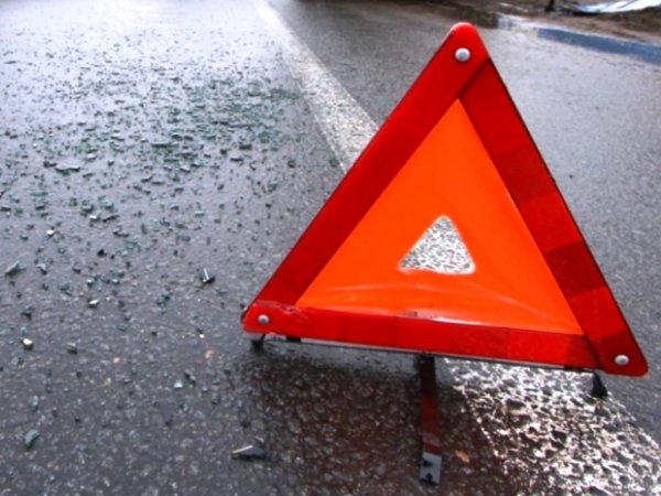 В Новосибирске такси с пассажирами попало в аварию