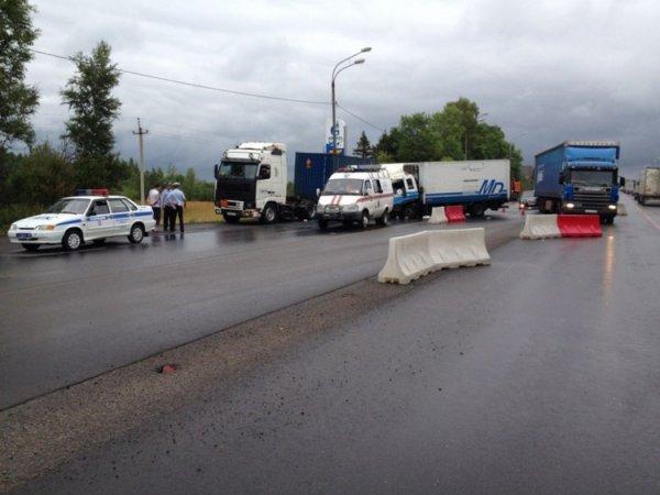В Павловском районе Кубани в ДТП попали три грузовика