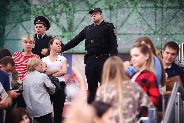 Екатеринбург встретил Алексея Учителя и Пелагею