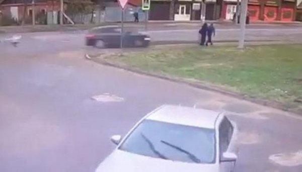 В Краснодаре иномарка сбила семью из трех человек