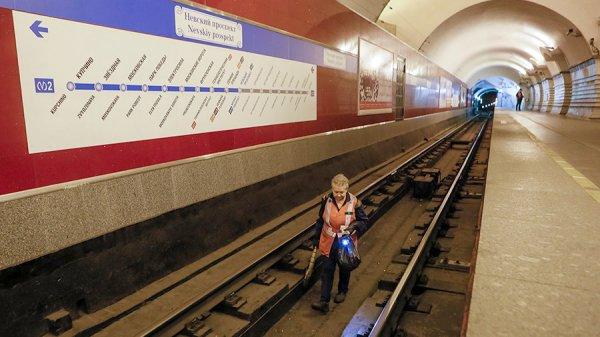 В Петербурге станцию метро «Невский проспект» открыли после проверки
