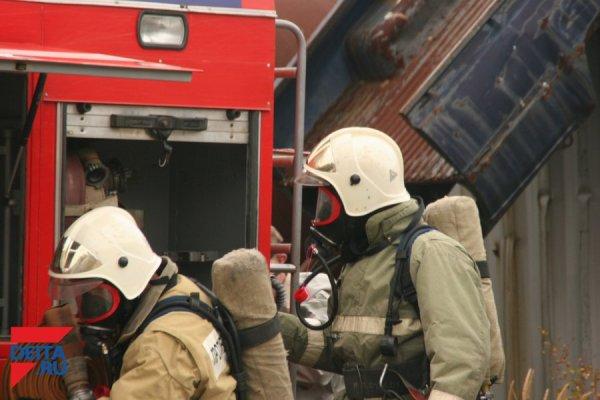 Спасатели поделились детальной информацией о загоревшемся в Приморье бензовозе