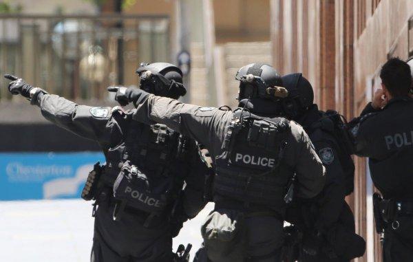 В Мадриде в банке неизвестный захватил заложников