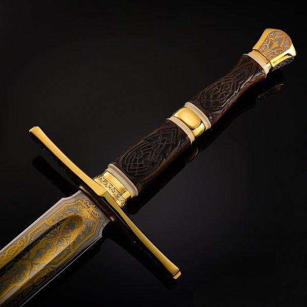 В Москве декоративным мечом мужчину зарубил собственный сын