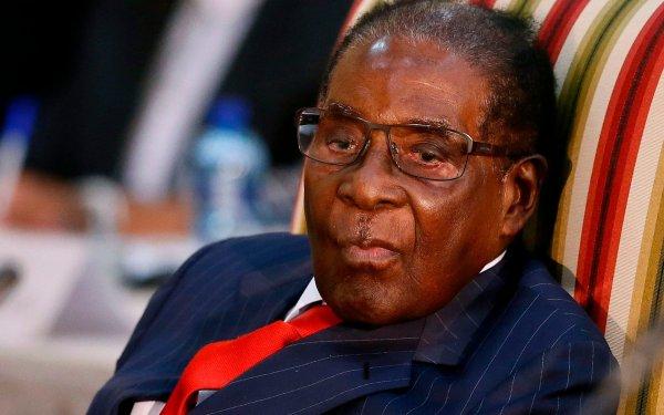 Глава Зимбабве впервые после ареста появился перед общественностью