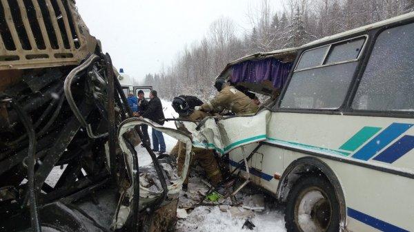 В Ярославле пострадали девять человек в ДТП с автобусом