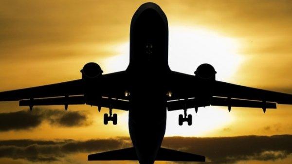Самолет вернулся в Благовещенск из-за самочувствия пассажира