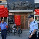 В Китае мужчина дважды увернулся от смерти за 10 секунд