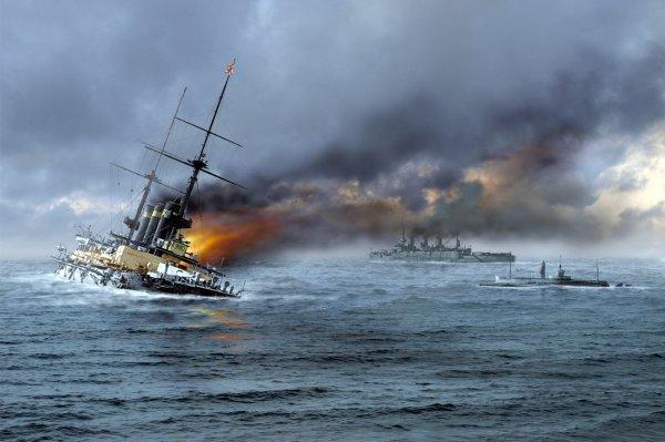 В Японском море загорелся корабль с российской командой