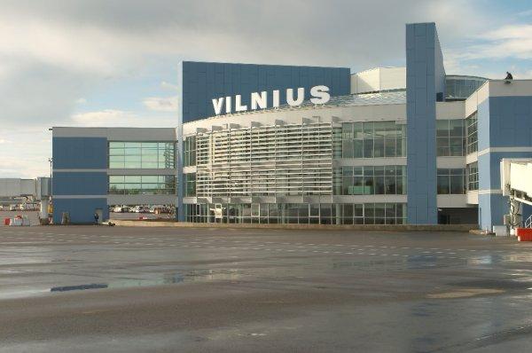 Самолет, следовавший в Хургаду, вернулся для аварийной посадки в Вильнюс из-за техполомки