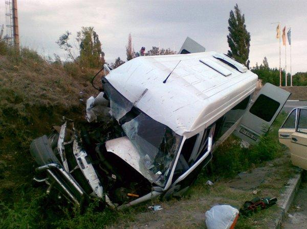 В ДТП с микроавтобусом в Иркутске пострадали 3 человека